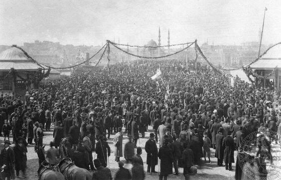 4. Galata Köprüsü Açılışı (1912).