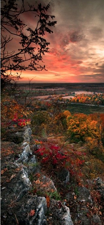 Autumn sunrise at Rattlesnake Point in Milton, Ontario, Canada: