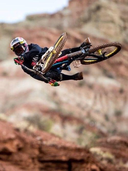 Efsane Harun Isler Rekortmen Downhill Mountain Bike Action Freeride Mountain Bike Downhill Bike