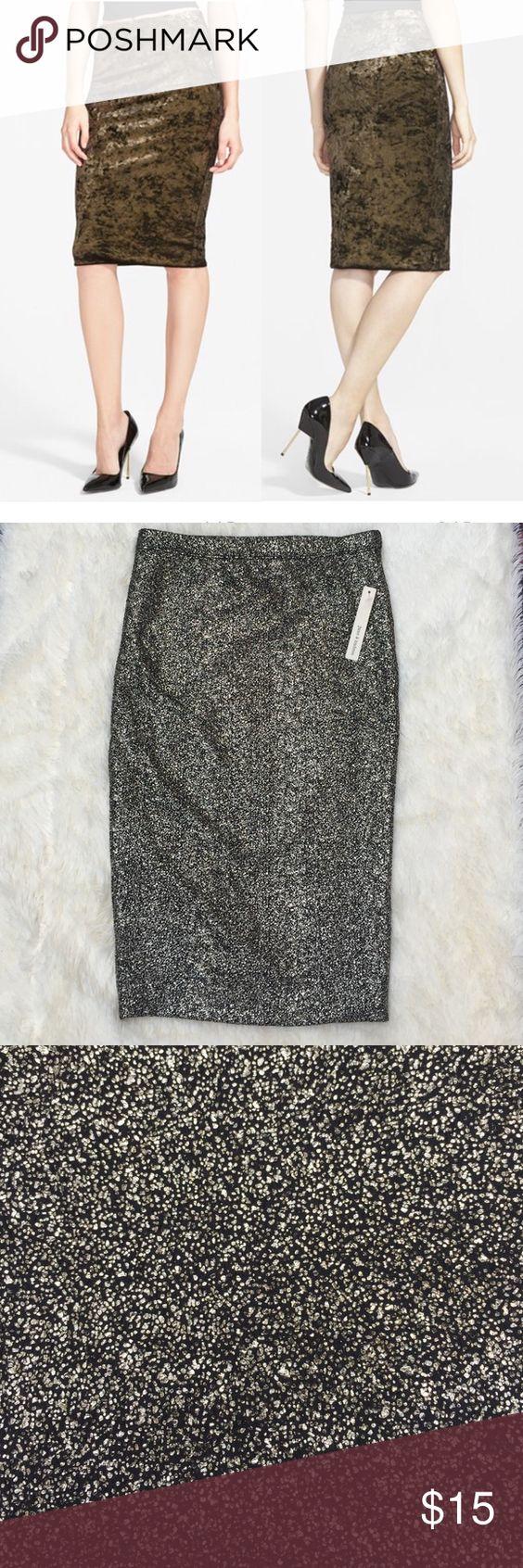 June & Hudson sparkly pencil skirt. NWT June & Hudson mettalic gold pencil skirt. XS June & Hudson Skirts Pencil