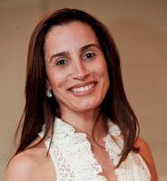 Dra. Tais Saraceno, cirurgiã plástica especialista pela SBCP.