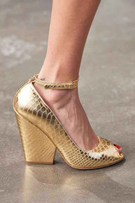 Flawless Woman Shoes 2020