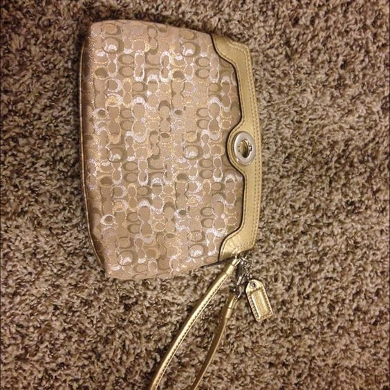 Coach clutch Gold shimmer coach clutch! Perfect for any night out Coach Bags Clutches & Wristlets