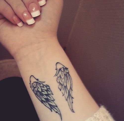 small angel wings tattoo girly tattooing angel wing tattoos pinterest posts small. Black Bedroom Furniture Sets. Home Design Ideas