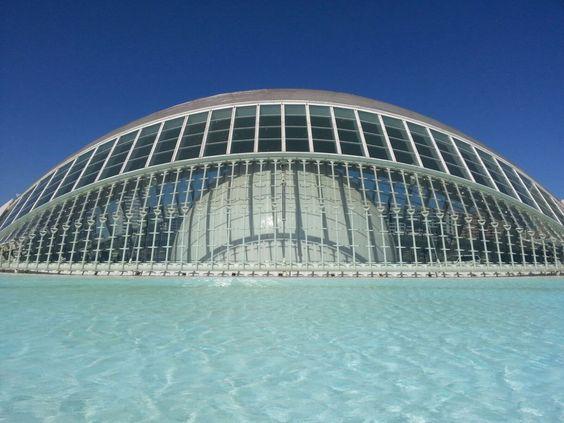 Hemisferic ( cine en 3D) Valencia España.