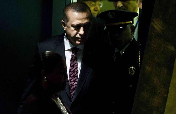 """Die türkische Zeitung """"Cumhuriyet"""" erhält in diesem Jahr gemeinsam mit drei weiteren Aktivistinnen und Organisationen den Alternativen Nobelpreis. Das gab die Right Livelihood Stiftung am Donnerstag in Stockholm bekannt."""