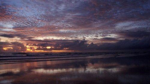 Desejando ver um por do sol assim... Este é em Maraú! vi aqui: http://www.hojevouassim.com.br/2013/01/04/viver-numa-boa-entre-o-mar-e-a-lagoa#comment-123138