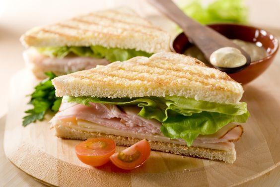 10 receitas de sanduíche natural saudável SANDUÍCHE ROMANO: