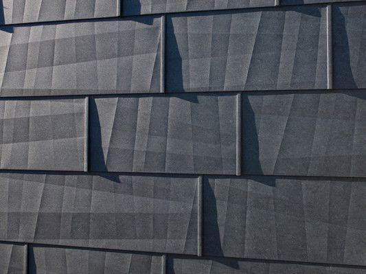Aluminiumpaneel mit geknickter Oberfläche - Fassade - News/Produkte - baunetzwissen.de
