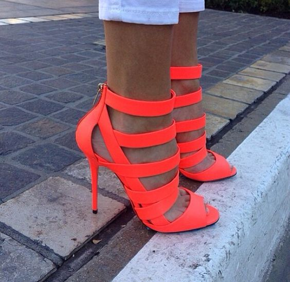 I'm not one to buy neon anything, but if i did... I would buy some shoes like these. They're just too cute!