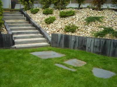 Jardin en desnivel jardineria pinterest for Jardines en desnivel