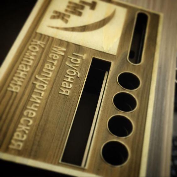 Sound box for iPhone на заказ в подарок с логотипом компании Ручная работа с применением Лазерных технологий! Универсальная подставка для смартфона с зарядкой USB. Для заказа WhatsApp 89067979799 zakaz@g-wk.ru #iphone6 #iphone5 #iphone4 #iphone #nazakaz #вподарок #длянего #длянее #начальнику #лазернаярезка #лазернаягравировка #lasercut #lasercutting #laserengraved #laserengraving #праздник #москва #россия #soundbox by g_work