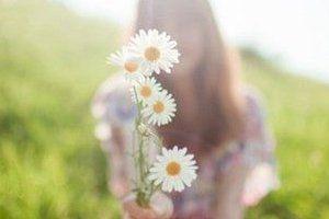 Que a cada manhã você sinta que a vida lhe espera.  Abra os seus braços para receber as coisas boas da vida!
