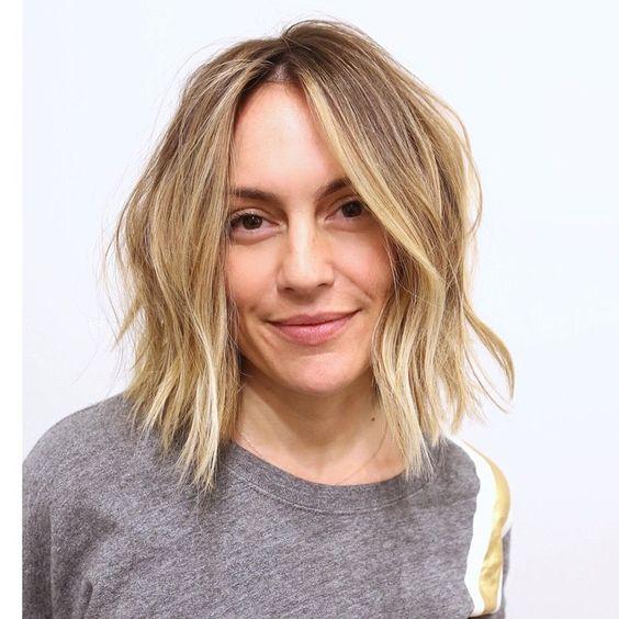 My hair color creation❤️️lived in color™ #brownhair#honeyhighlights #goldenhighlights#sunkissedhair#blonde #blondehair #beachhair #beachyhair #beatifulhair #ramireztran #ramireztrancolor #godisgood #ramireztransalon #johnnyramirezcolor #johnnyramirez1 #johnnyramirez #johnnyramirezcolorist #johnnyramirezhaircolor #gamechanger #gorgeoushair #sexyhair #perfecthair#miamihair #newyorkhair #perfection#livedincolor#livedinhaircolor
