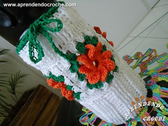 Capa de Crochê para Garrafa Térmica 1Lt - Receita de Croche com o Passo a Passo no Link http://www.aprendendocroche.com/receitas-de-croche/video-aula.asp?resid=1025&tree=10
