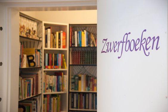 """Onze """"Zwerfboeken"""" kast.  Neem een boek mee om te lezen of maak een ander blij met een boek waar jij van hebt genoten."""