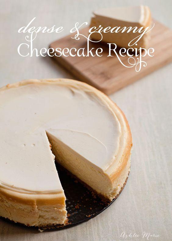 Ich liebe Käsekuchen und diese saure Sahne gekrönt dichter und cremiger Rezept das beste ist, dass Sie jemals haben werden