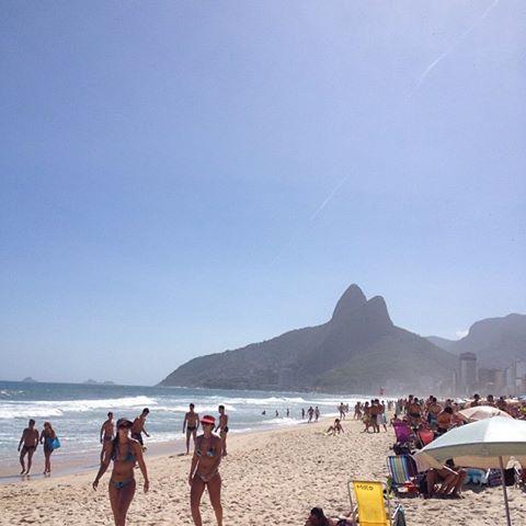 Da série: Eu estive nesse lugar*****  Praia de Ipanema na Cidade Maravilhosa***** Paraíso é pouco...