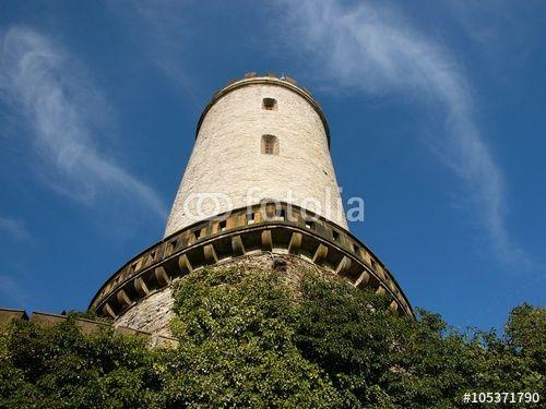 Burgturm der Sparrenburg mit Brüstung in Bielefeld in Ostwestfalen im Teutoburger Wald