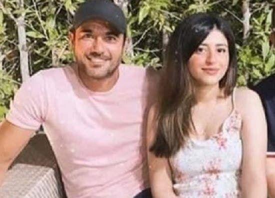 حقيقة خطوبة أحمد عز إلى ابنة محامي عمرو دياب Fashion Tops
