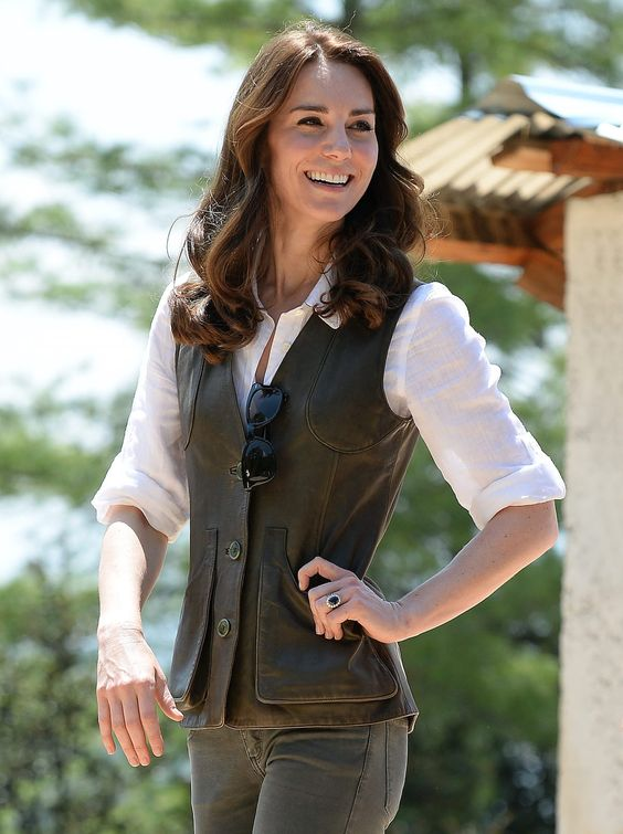 Todos los detalles del look campero de Kate Middleton, duquesa de Cambridge, en Bhutan...