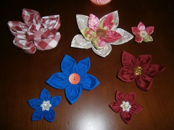 fiori fatti a mano semplici e doppi