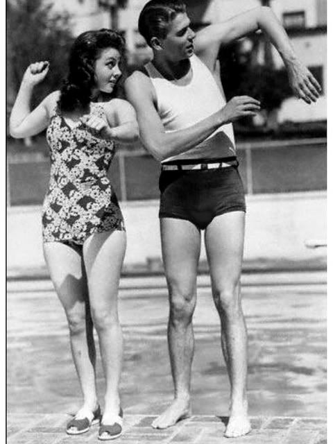 Ronald Reagan shows Susan Hayward some swim strokes               by mongoII     Sat Jul 24, 2010 10:15 pm               Forum: The People of Film      Topic: *CANDIDS*        Replies: 10616     Views: 167400