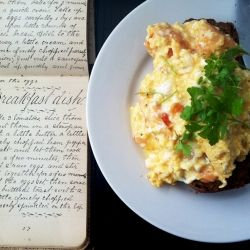 Recipe from 1900 for 'Breakfast dish' known today as scrambled eggs on toast
