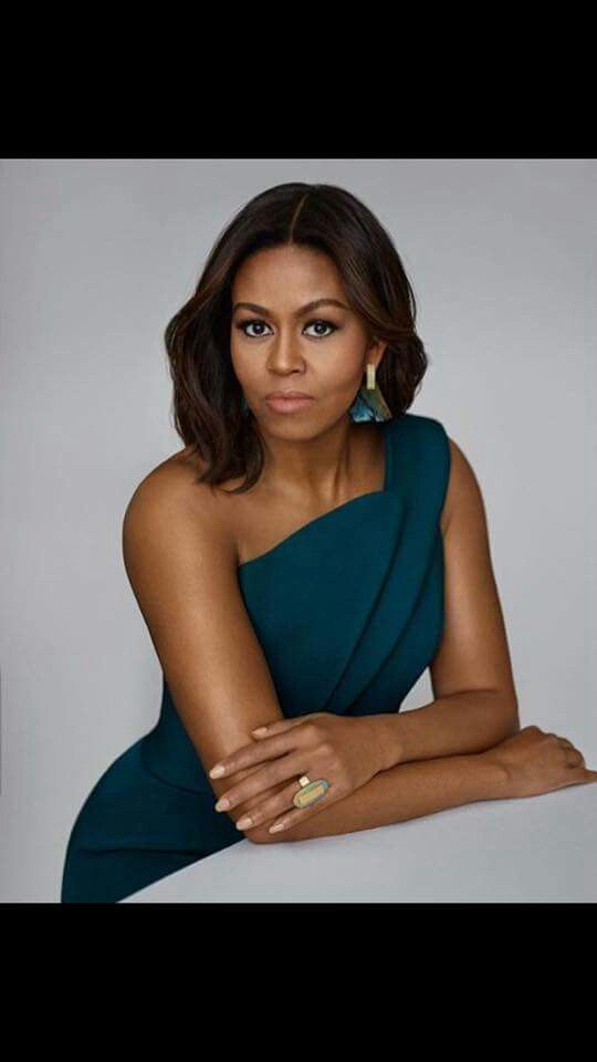 Michelle Obama is such a gorgeous woman. Have ya'll seen dat bootie!