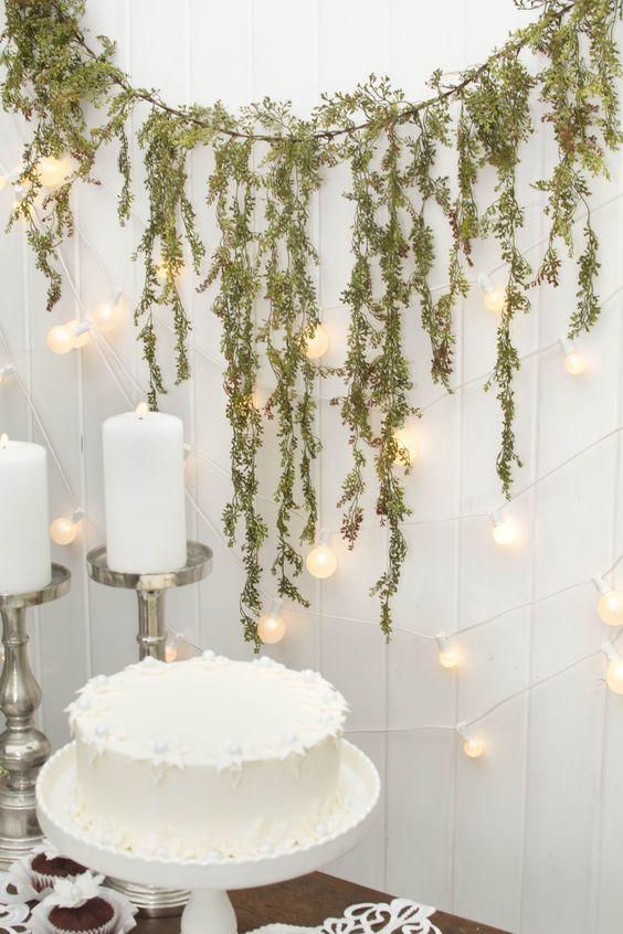 Garland decorative leaf vine realistic greenery 6 foot for Wedding table dressing ideas