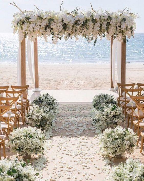 Beach wedding ceremony #wedding #weddings #beach #weddingideas #beachweddings #himisspuff