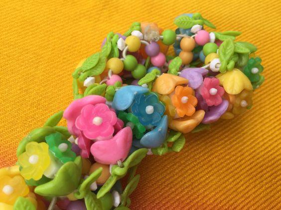 1960's flower Plastic Elasticated Bracelet by VINTAGEwithaSMILE on Etsy