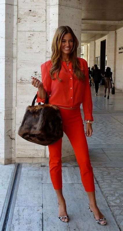 What To Wear With Red Capris