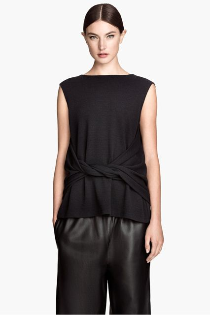 2015 — The Slouchy, Pre-Knotted Top It's still all about oversized tops, but there's a little softness to the newer styles.