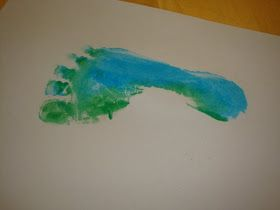 Moments of Mommyhood: Foot Print Fish