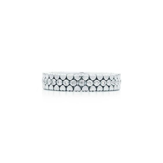 Paloma's Crown of Hearts band ring in 18k white gold with diamonds. | Tiffany & Co.