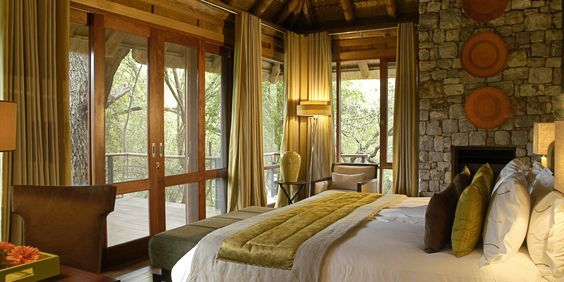 Wake up to views of the bush every morning from this Owner's Lodge bedroom. #Jetsetter