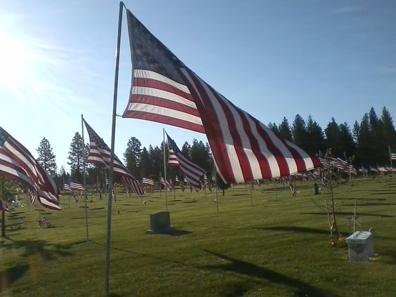 memorial day cemetery wreaths
