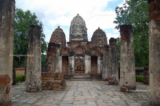 Wat Si Sawai, #Sukhothai #Thailandia http://www.viaggiaescopri.it/sukhothai-visita-al-parco-storico/