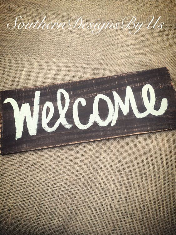 Wood pallet welcome sign by SouthernDesignsByUs on Etsy