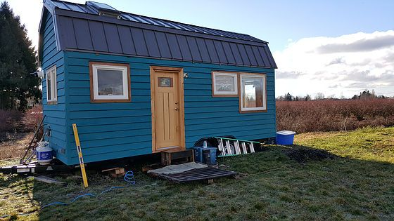 L-Dawg and Roar's Tiny House. Beautiful Tiny Home!