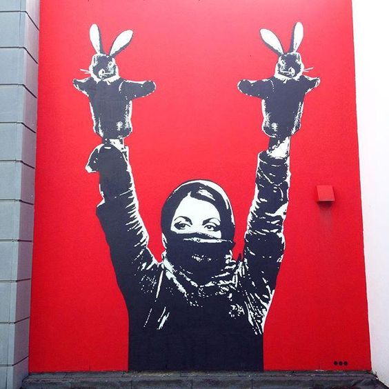 Protester   Mural by @dotdotdot for #Nuart2013 in #Stavanger #Norway #Streetart #Nuart http://t.co/vUtKglW2Ua
