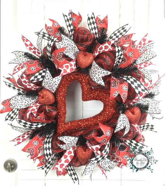 Valentine Deco Mesh Wreath - Valentine Heart Wreath - Valentine Wreath - Valentine Decor - Door Decor - Wreath by WreathsEtcbyLisa on Etsy
