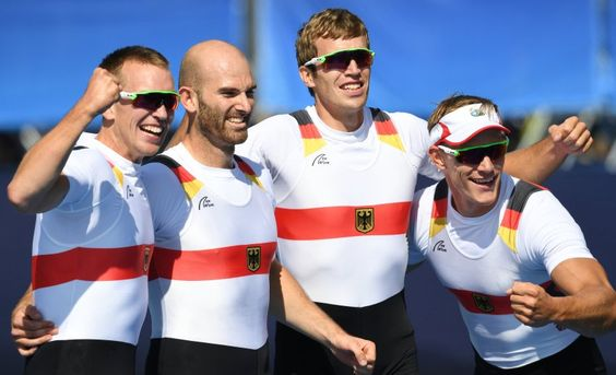Der deutsche Doppelvierer hatte Probleme, schaffte es nur knapp ins Finale - und…