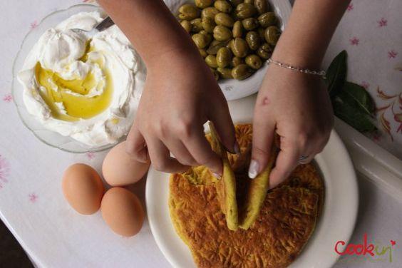 Kaak Asfar (Palestinian Yellow Easter Bread)