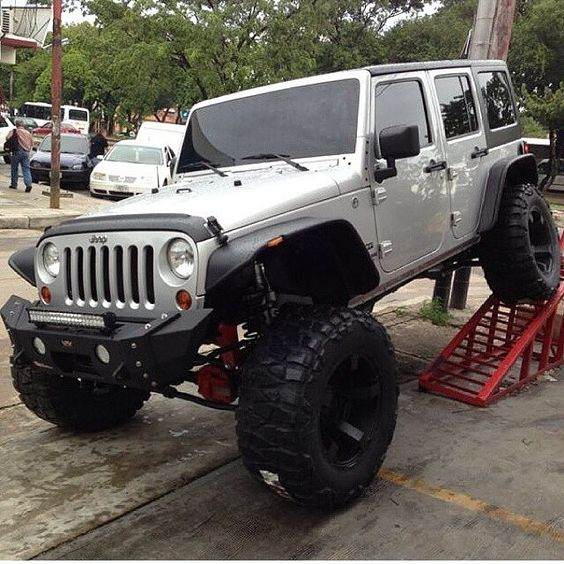 Custom Jeep Wrangler Equip With @VPR4x4 Bumpers