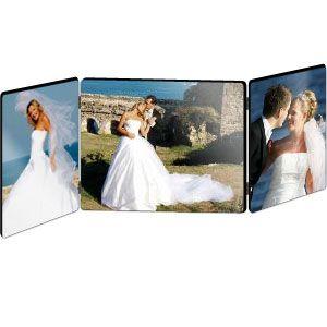 Cadre photo triple en bois à personnaliser avec vos plus belles photos. Idéal pour raconter vos plus beaux souvenirs de vacances, de mariage, de naissance #Cadre #Photo