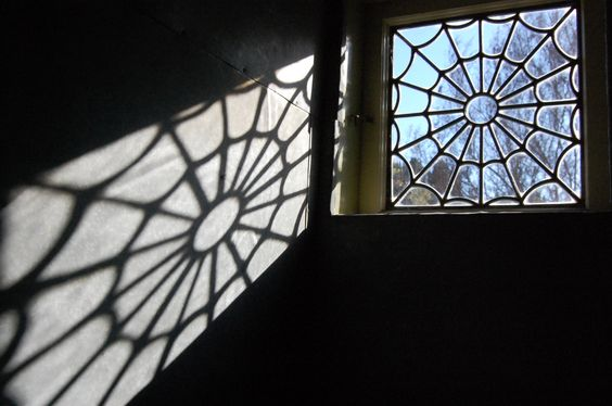 Spider Web Glass - Winchester Mystery House 2009