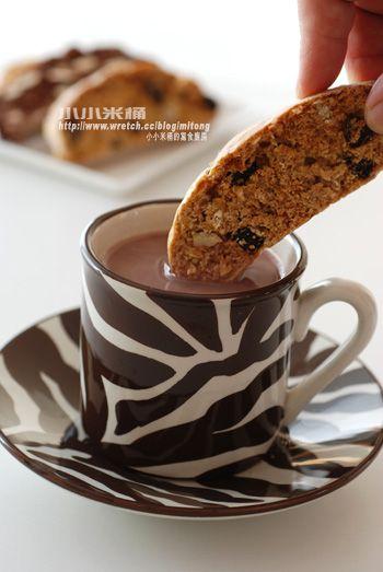 黑糖麥片Biscotti + 杏仁巧克力Biscotti | 小小米桶