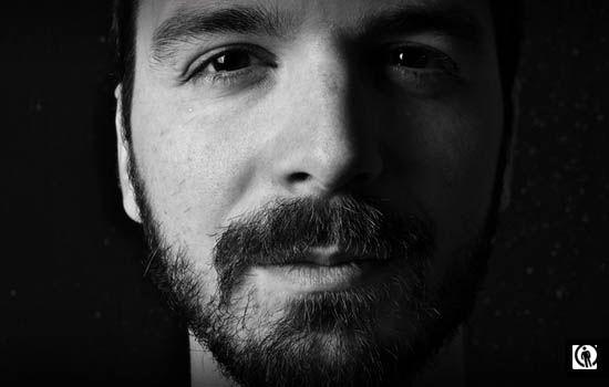 Anpropos interjú: http://antropos.hu/karanyi-oromteli-zenerol-es-az-optimizmusrol-interju/